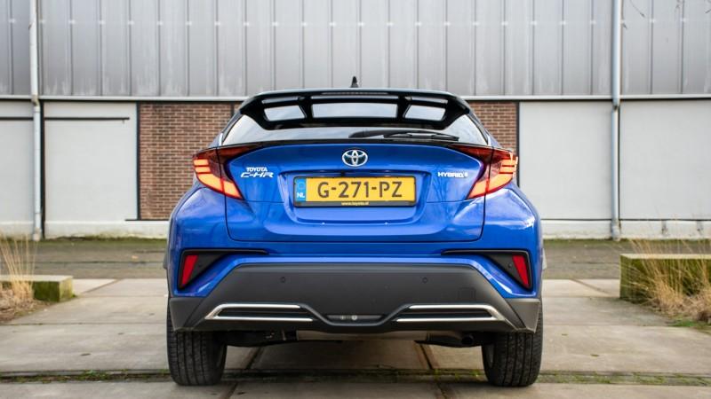 Toyota C-HR 2.0 High Power Hybrid Bi-Tone