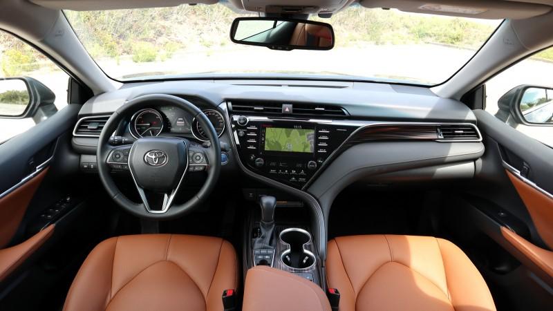 Toyota Camry 2.5 Hybrid Business Plus