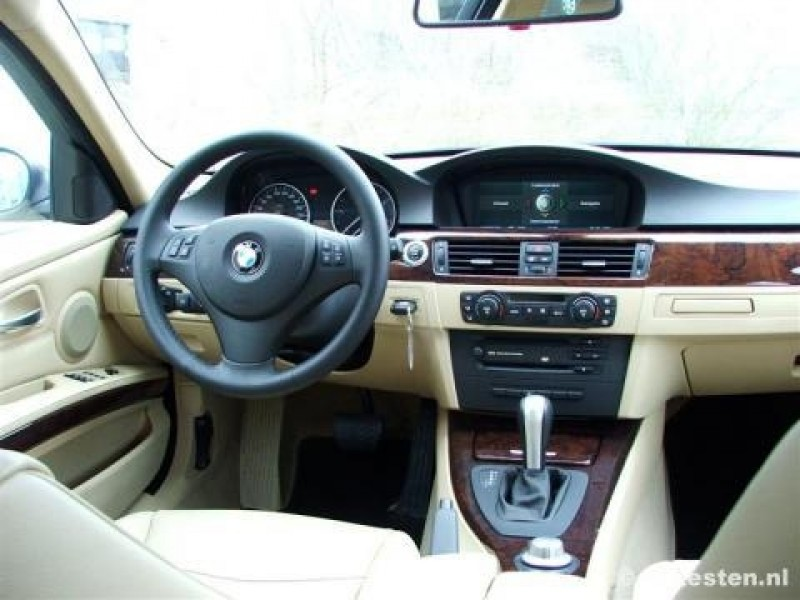 Test bmw 3 serie 320d pure rijervaring for Interieur bmw 320d 2000