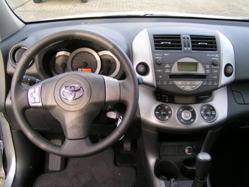 Toyota RAV4 2.0 VVT-i Linea Sol
