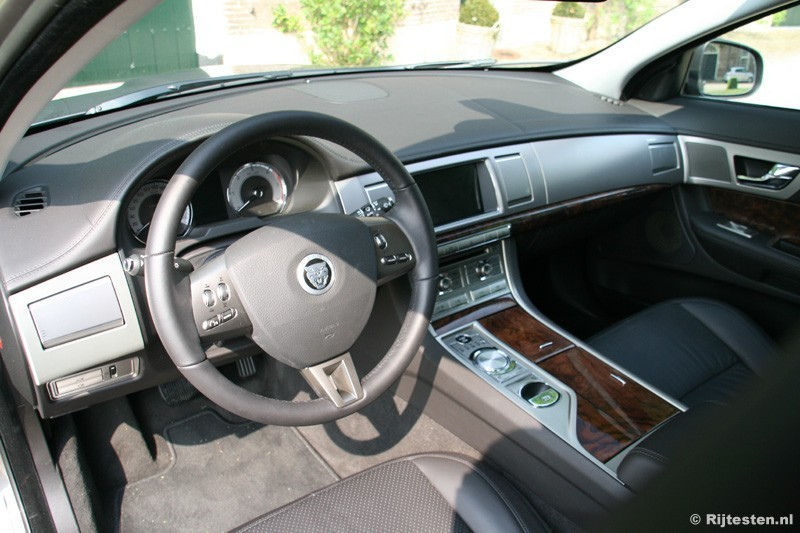 Jaguar XF 2.7D Premium Luxury