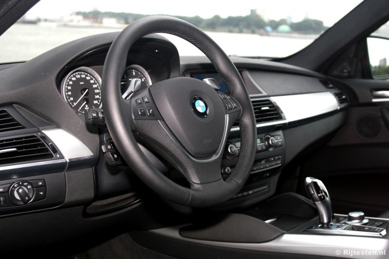 test bmw x6 xdrive35d high executive pure rijervaring. Black Bedroom Furniture Sets. Home Design Ideas