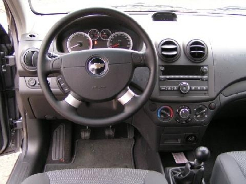 Test chevrolet aveo 16v style pure for Interieur chevrolet aveo
