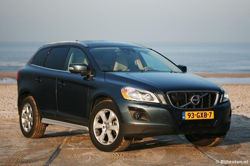 test volvo xc60 d5 summum pure rijervaring. Black Bedroom Furniture Sets. Home Design Ideas
