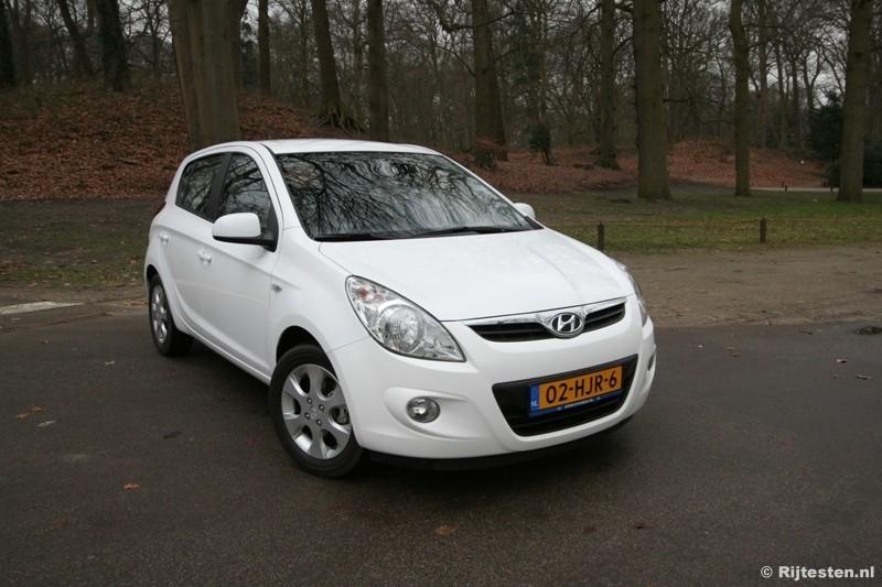 Test Hyundai i20 1.4i i-Catcher - Rijtesten.nl
