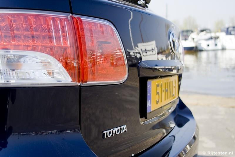 Toyota Avensis 1.8 VVT-i Wagon Panoramic Business