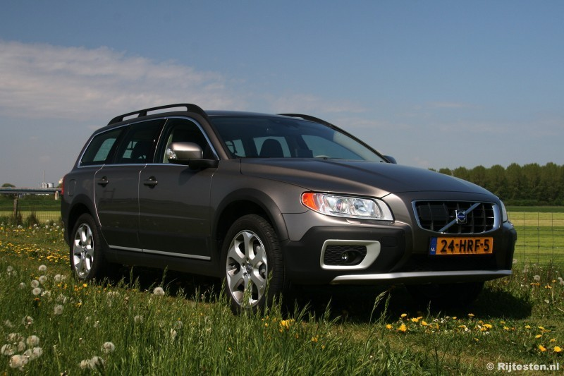 test volvo xc70 d5 summum pure rijervaring. Black Bedroom Furniture Sets. Home Design Ideas