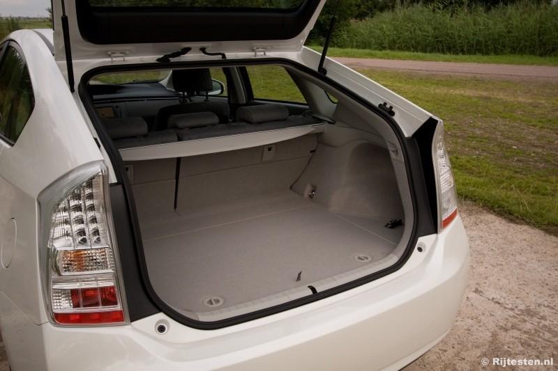 Toyota Prius 1.8 HSD Dynamic