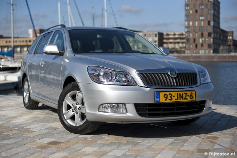 test skoda octavia combi 1 2 tsi ambition businessline. Black Bedroom Furniture Sets. Home Design Ideas