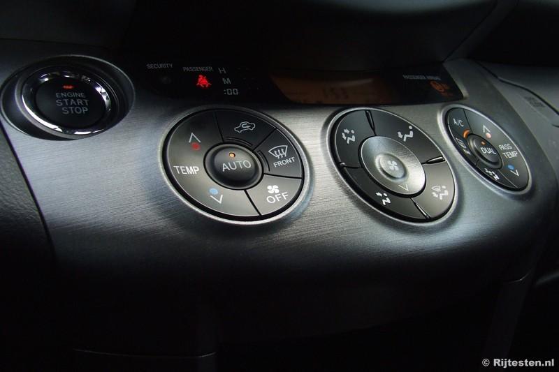 Toyota RAV4 2.2 D-4D D-CAT Executive Business