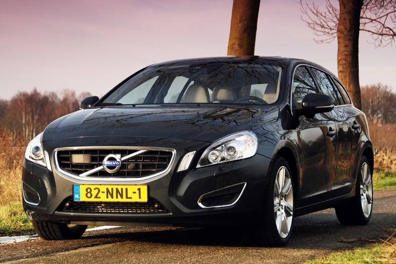 Test Volvo V60 Plug In Hybrid D6 Awd Summum Rijtesten Nl