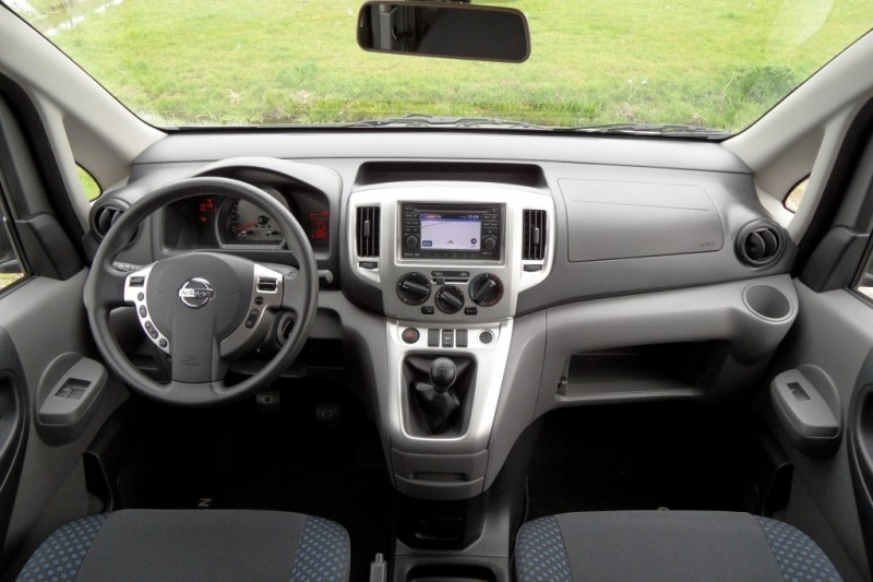 test nissan evalia 1 6 acenta pure rijervaring. Black Bedroom Furniture Sets. Home Design Ideas