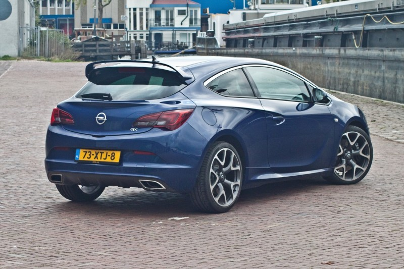 test opel astra gtc opc pure rijervaring. Black Bedroom Furniture Sets. Home Design Ideas