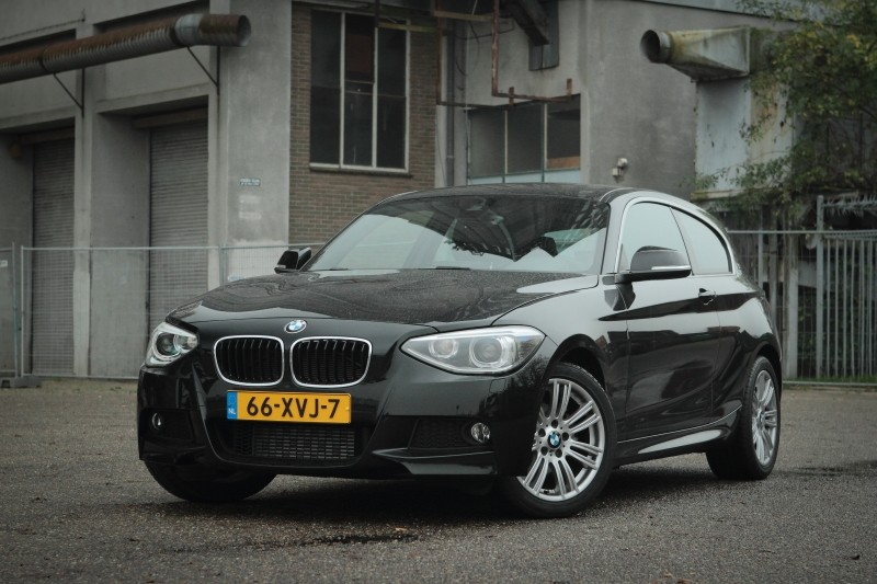 test bmw 1 serie 114i business pure rijervaring. Black Bedroom Furniture Sets. Home Design Ideas