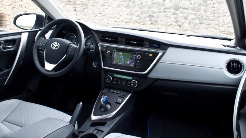 Toyota Auris Touring Sports Hybrid Executive