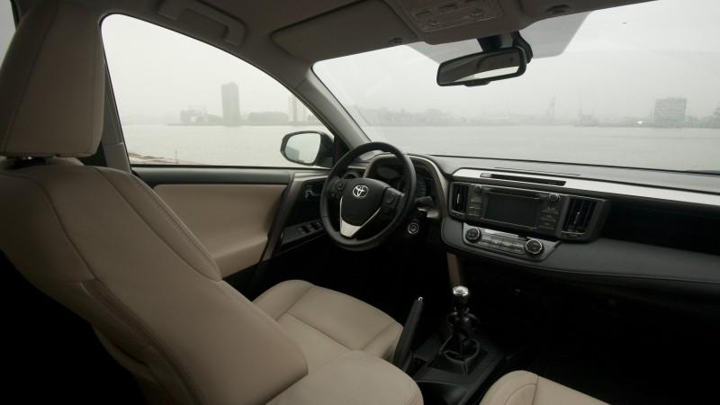 Toyota RAV4 2.0 D-4D-F 2WD Dynamic