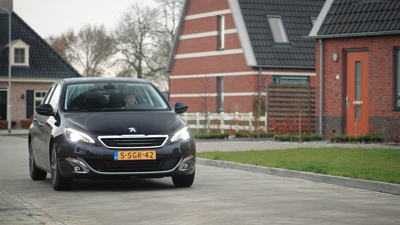 test peugeot 308 1 6 thp 125 premi re pure rijervaring. Black Bedroom Furniture Sets. Home Design Ideas