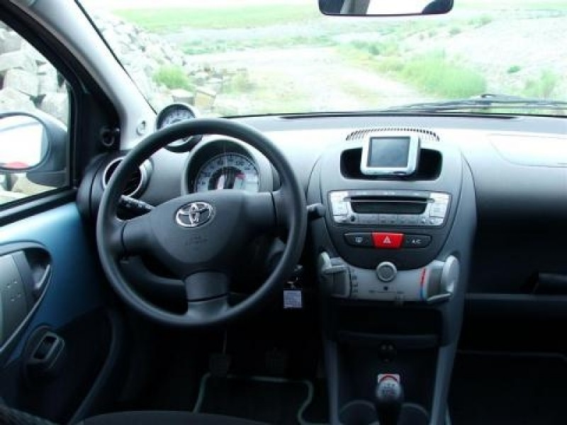 test toyota aygo 1 0 12v vvt i sport pure rijervaring. Black Bedroom Furniture Sets. Home Design Ideas