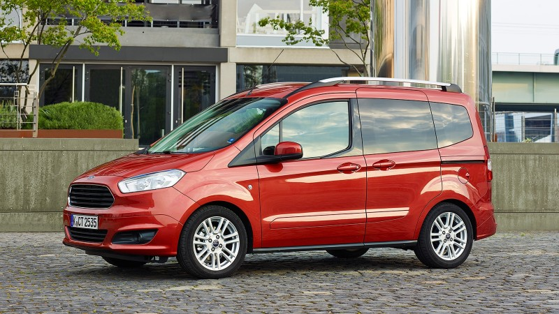 test ford tourneo courier 1 0 ecoboost titanium pure rijervaring. Black Bedroom Furniture Sets. Home Design Ideas
