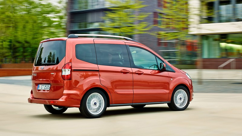 test ford tourneo courier 1 0 ecoboost titanium. Black Bedroom Furniture Sets. Home Design Ideas