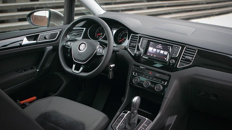 foto 39 s volkswagen golf sportsvan 1 2 tsi dsg highline pure rijervaring. Black Bedroom Furniture Sets. Home Design Ideas