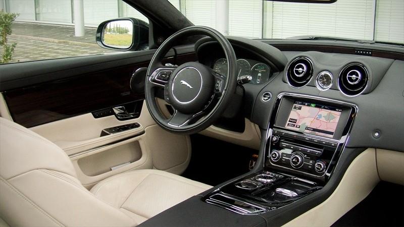 test jaguar xj 3 0 supercharged awd portfolio lwb pure rijervaring. Black Bedroom Furniture Sets. Home Design Ideas