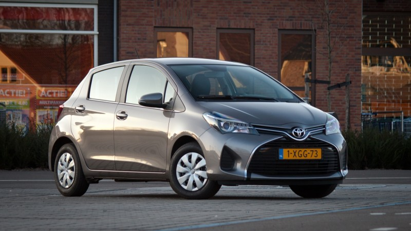 Test toyota yaris 1 0 vvt i lounge pure for Interieur yaris 2015