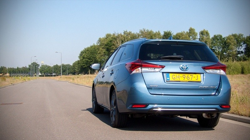 Toyota Auris Touring Sports Hybrid Lease Exclusive